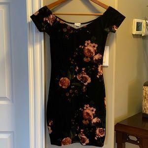 3 for $20! Garage body-con velvet dress